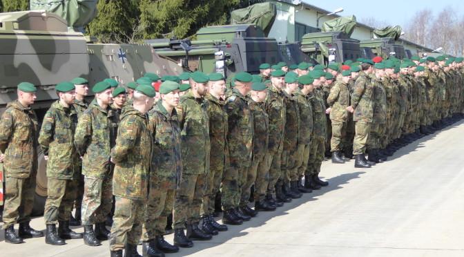 Zum Appell angetreten: Die Marienberger Panzergrenadiere. Foto: Hoffmann